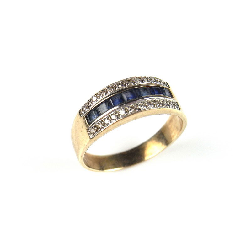 9 ct yellow gold sapphire and diamond ring - Image 1