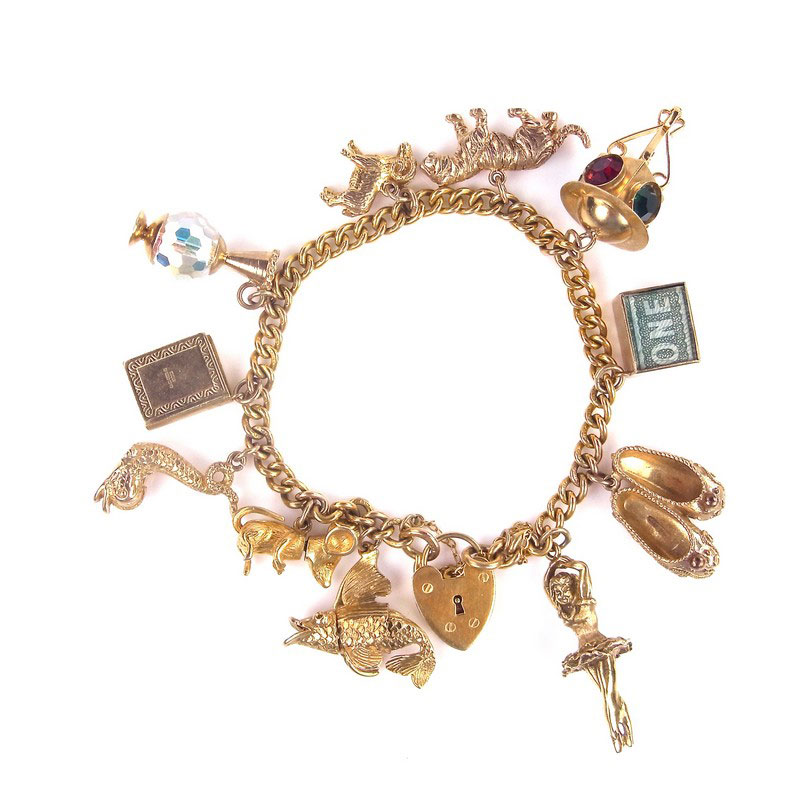 9 ct yellow gold charm bracelet - Image 1