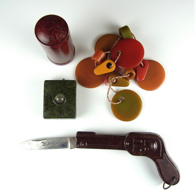 A collection of bakelite and plastic retro items