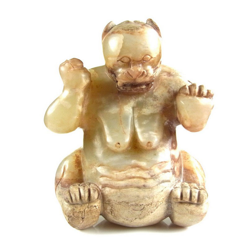 A Chinese hardstone carving of a bear, Han Dynasty style - Image 1